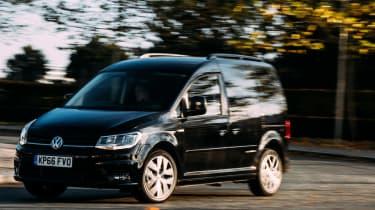 Volkswagen Caddy获得额外的套件与运动黑版