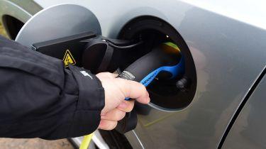 五年前电动汽车是绿色的两倍