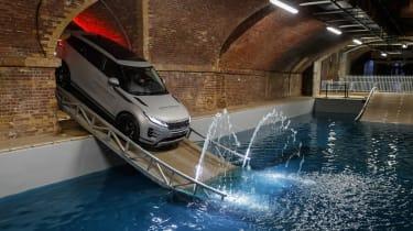 新的Range Rover Evoque驱动:越野课程评论