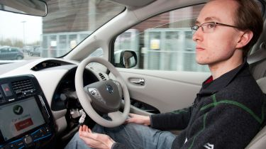 新的CAV通行证系统检查自动车适合英国道路