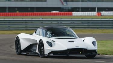 新的2022 Aston Martin Valhalla:发动机细节确认