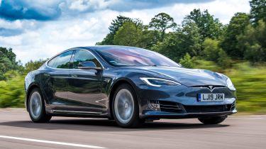 "Tesla Autopilot抨击英国安全专家的""特别误导"""