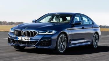 新的Facelifted BMW 5系列瞄准Audi A6和梅赛德斯E-Class